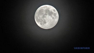Photo of Китай отправил на Луну ракету по образцы почвы