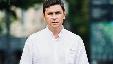 Photo of Подоляк обвиняет Порошенко в продолжении «злобной миссии раскалывателя»