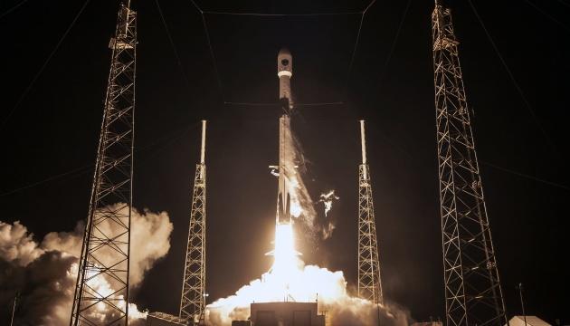 Обломок ракеты SpaceX упал на территорию фермы в США