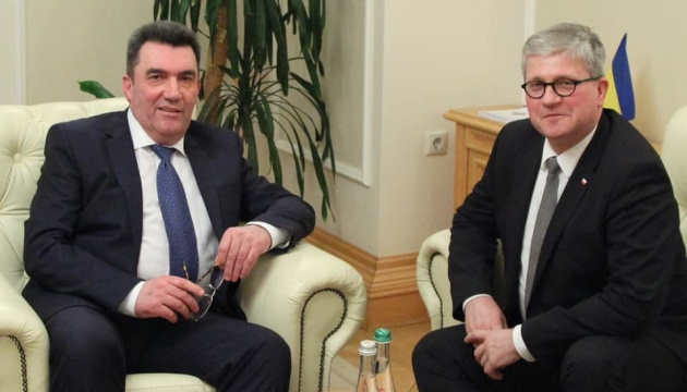 Украина и Польша должны сохранять единство в оборонной сфере - Данилов