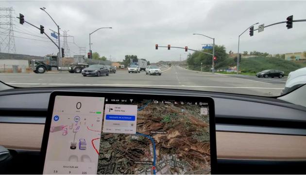Tesla показала новый софт для беспилотных электрокаров